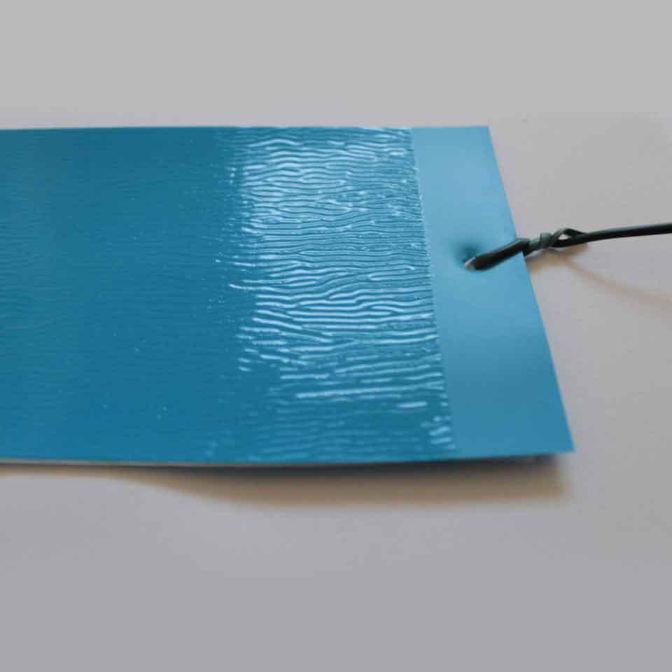 Armadilha Adesiva - Placas Azuis - A rugosidade é a cola do produto.