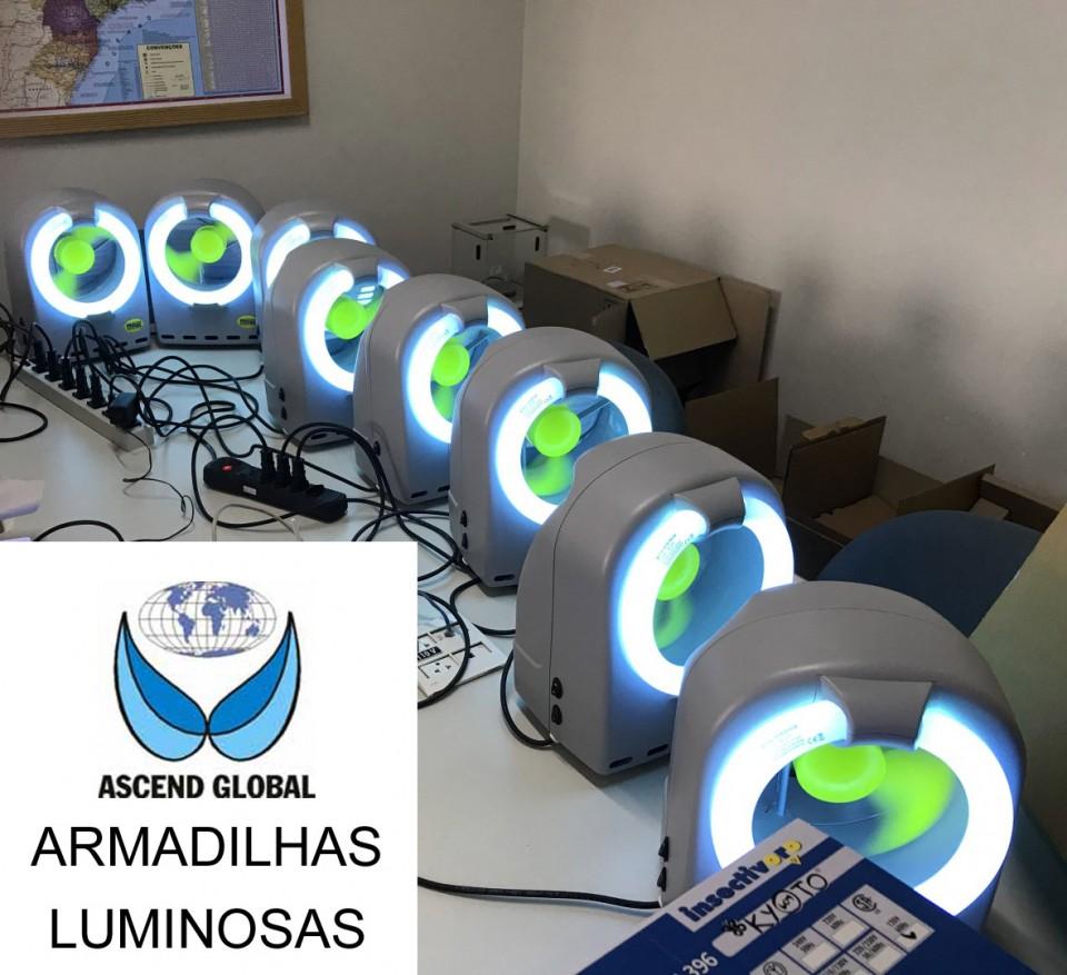 Oito Armadilhas Luminosas Testadas